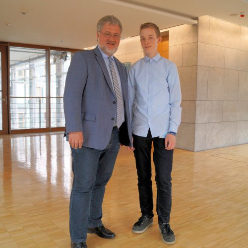 Stephan Albani zusammen mit dem Hospitanten Jonas Lüttke